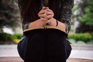 """Devocional """"Entre tus manos"""" – Episodio 34:  La oración verdadera"""
