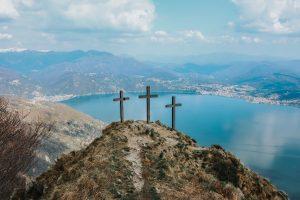 """Devocional """"Entre tus manos"""" – Episodio 93: """"Los dos ladrones y Jesús"""""""